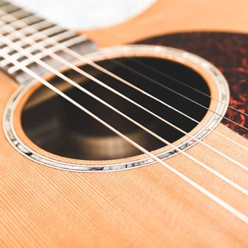 Gitarren aus Zedernholz - für einen besonders guten Klang